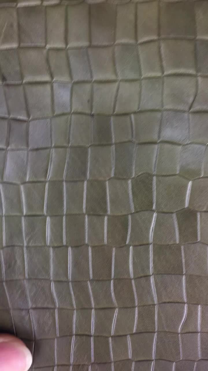 CHCBLL0405-1 Good Quality Blackish Green Embossed concave-convex Effect Crocodile Pattern Cow Skin Leather