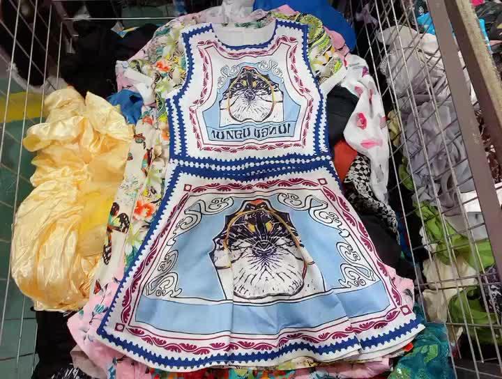 गर्म बेच थोक कीमत के दूसरे हाथ में कपड़े का इस्तेमाल किया कपड़ों गांठें कोरिया इस्तेमाल किया