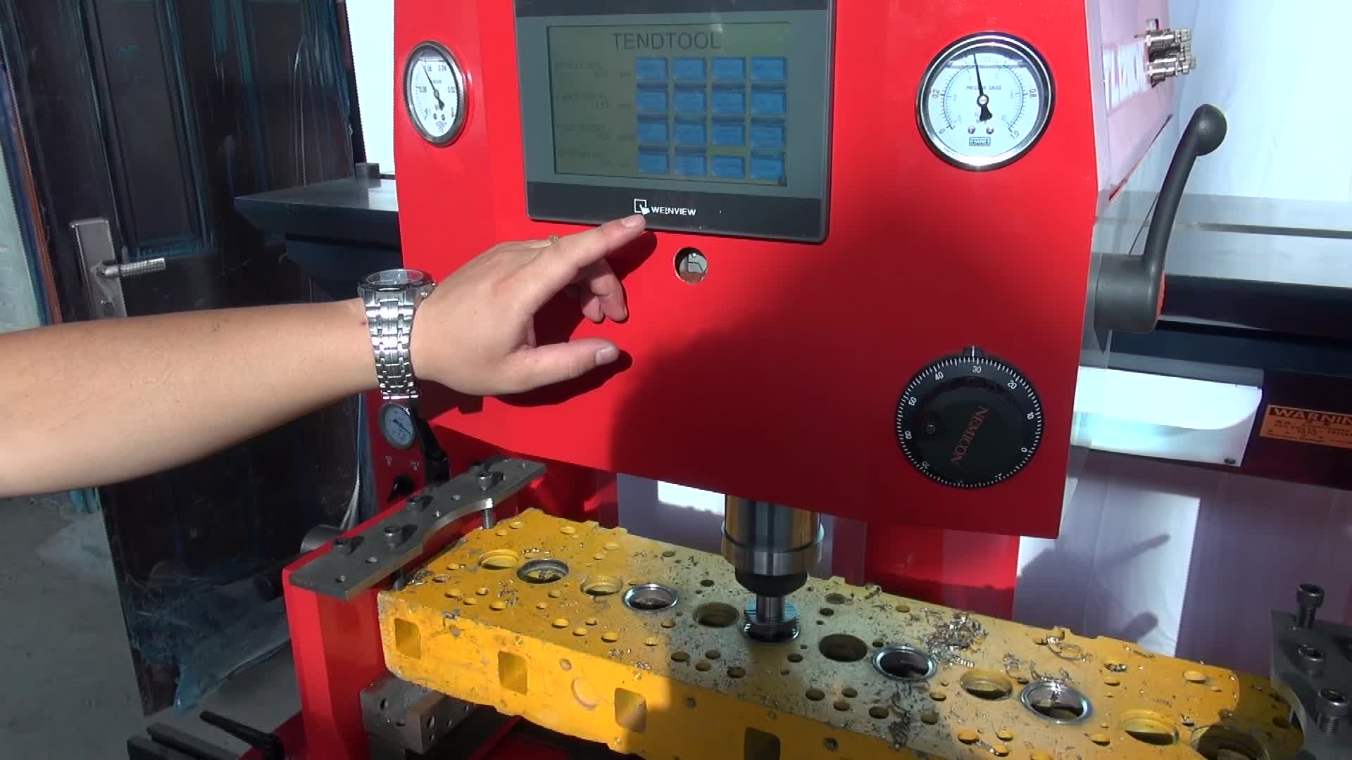 High efficiency high precision self-adaptive CNC Valve seat boring machine TL120CNC