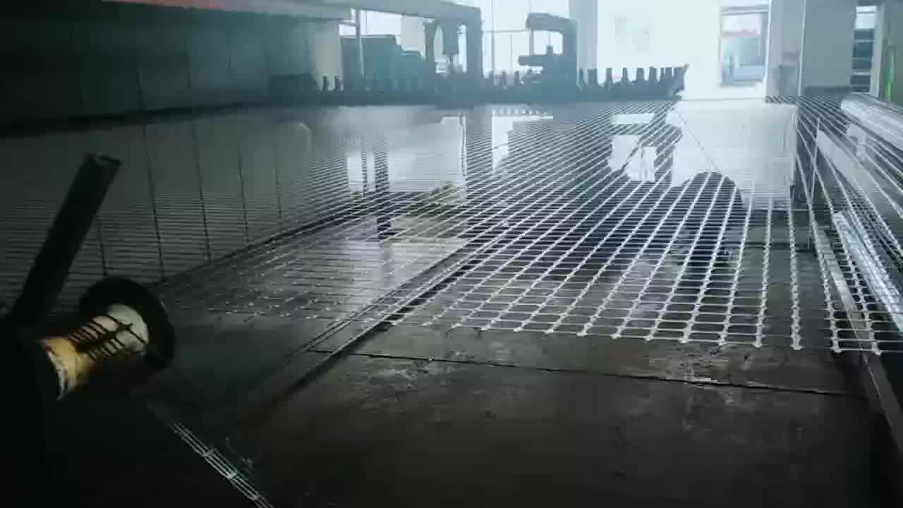 डामर के लिए लेपित शीसे रेशा geogrid/कोलतार की परत मजबूत नरम subgrade सड़क embankments