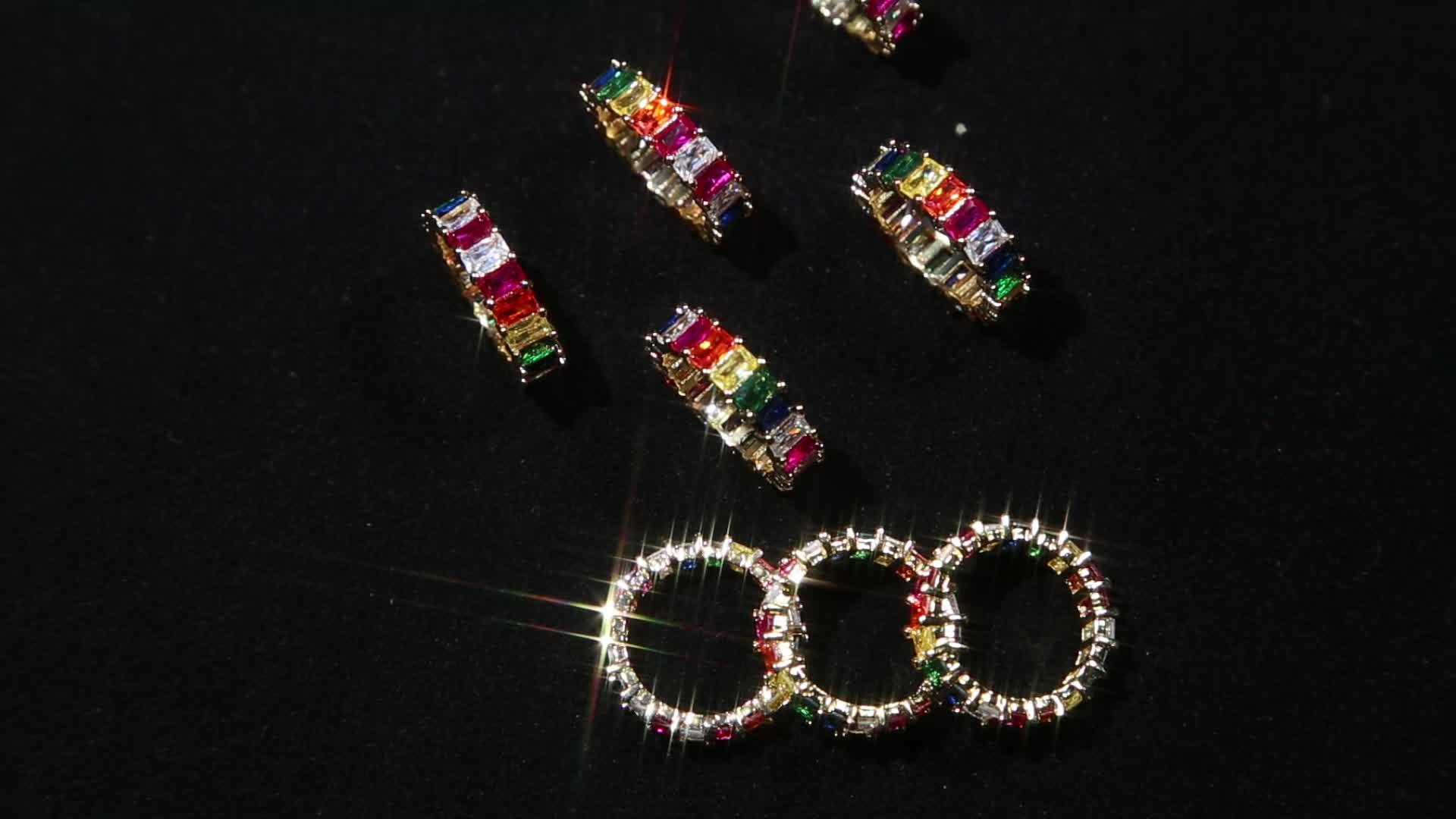 Bague plaqué or bijoux de mode arc-en-ciel baguette cubique zircon de luxe femmes européennes plein doigt bijoux