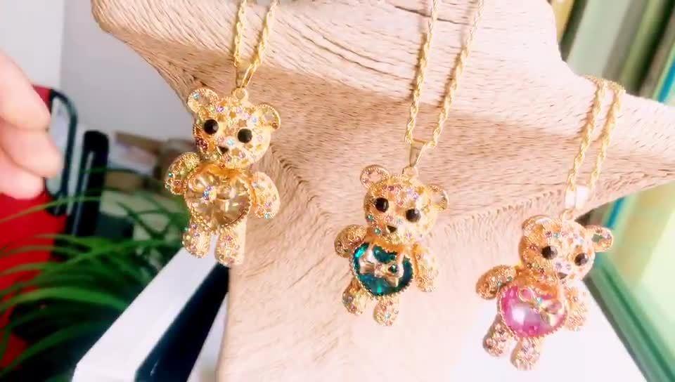 Best Gift for lovers Wholesale 2020 Unique Present Gold plated crystal love heart teddy bear long necklace