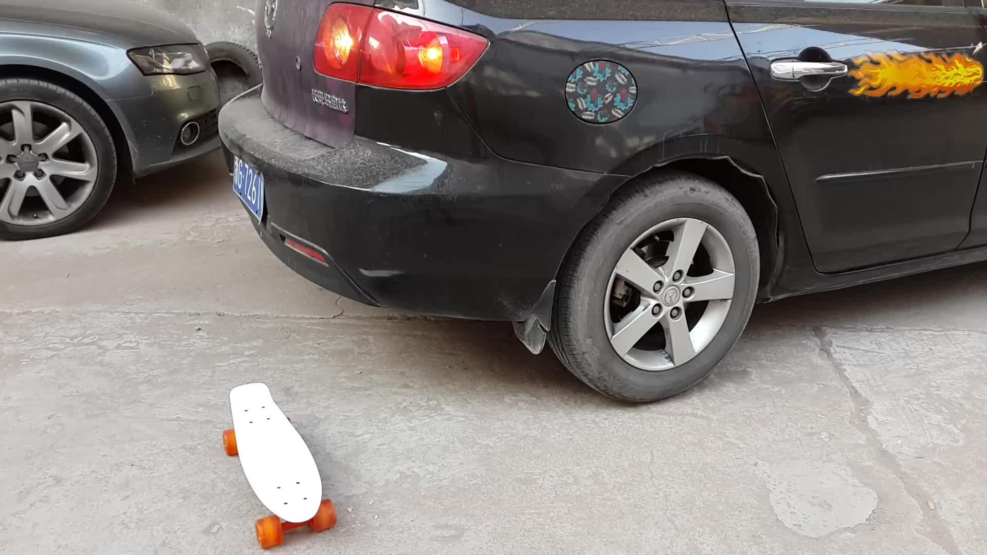 Atacado 22 Polegadas Plástico Cruiser Estilo Retro Plastic Skate com Rodas de PU Suave