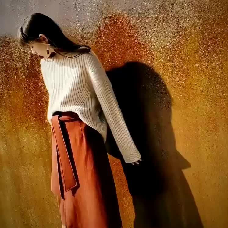 ホット販売の女性のスタイリッシュな長袖ニットセーター