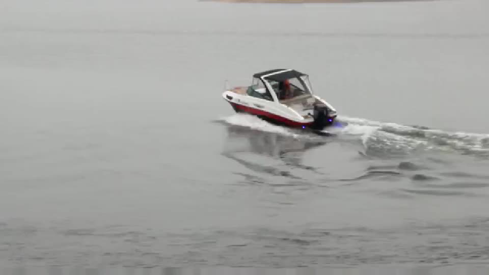 CE approved 19ft fiberglass material and outboard sport boat