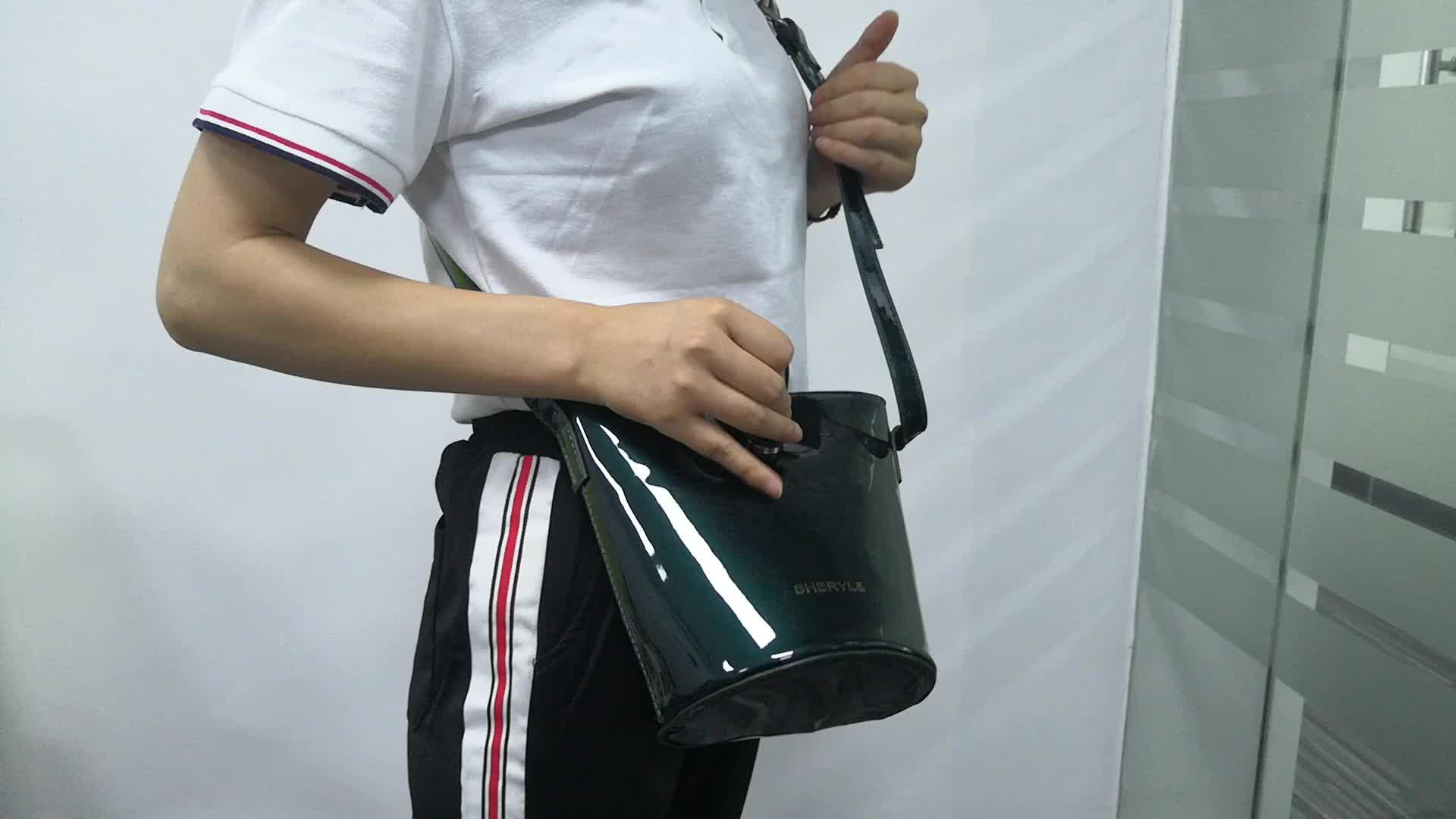 Kostenlose probe professionelle tote taschen für womans designer crossbody-tasche taschen für make up & einkaufen grünen PVC tote stroh tasche