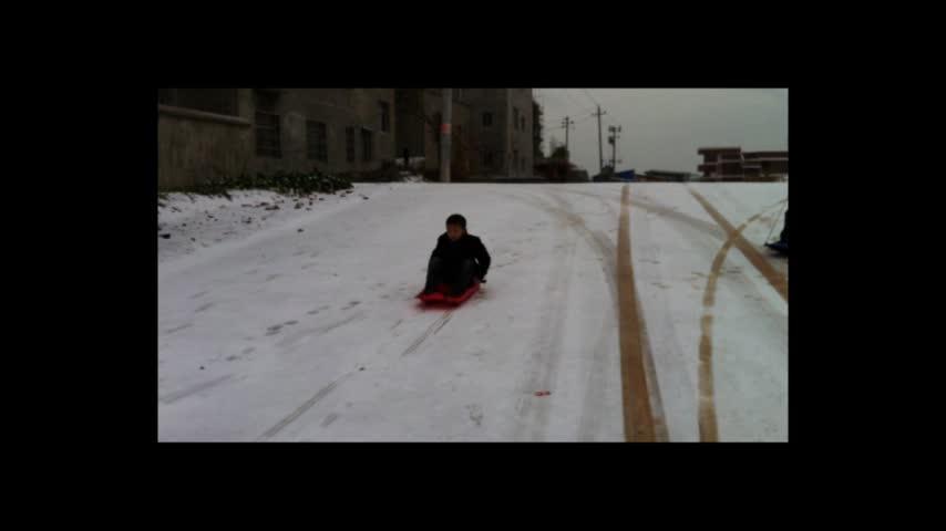 Hot sale downhill mini plastic adult kids toboggan winter snow skis sleds