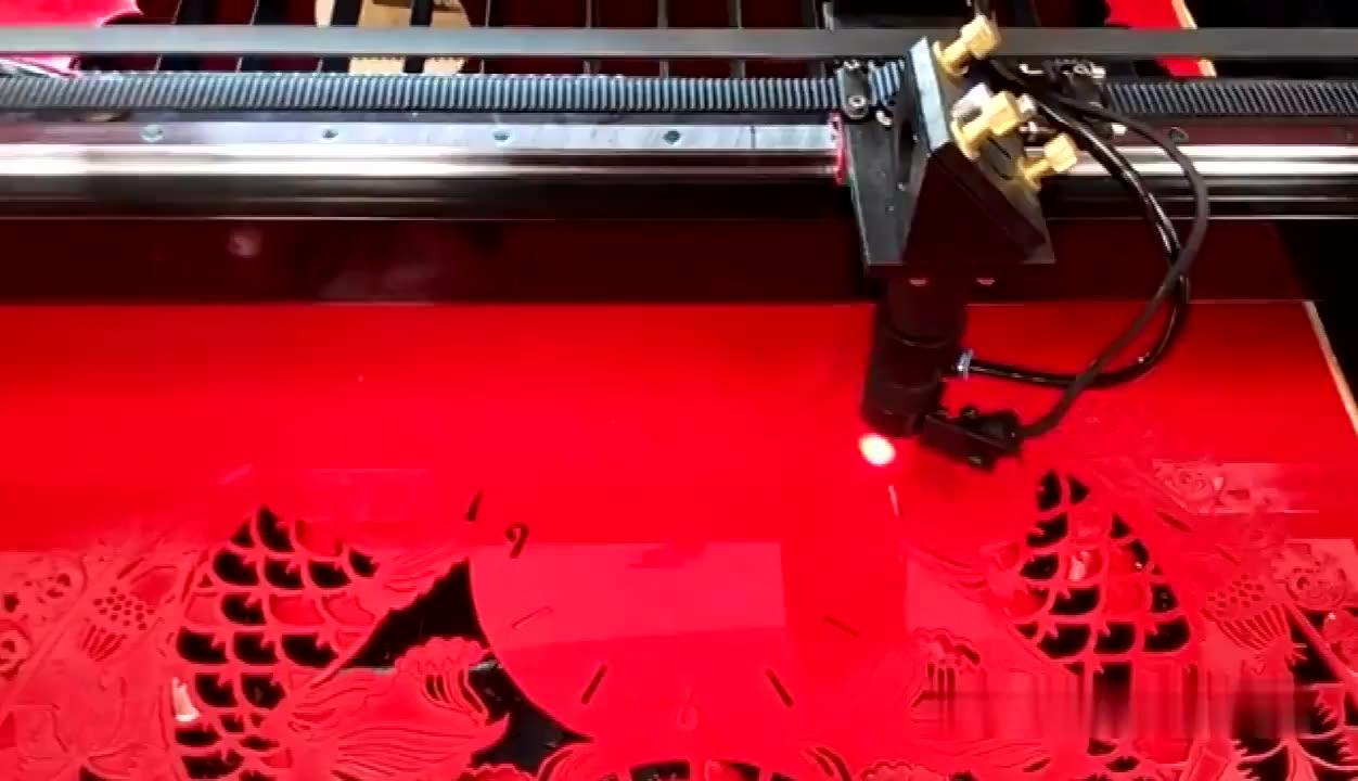 เลเซอร์สีทอง 500*700 มม.ถ้วยกระดาษทำเลเซอร์ตัดเครื่อง