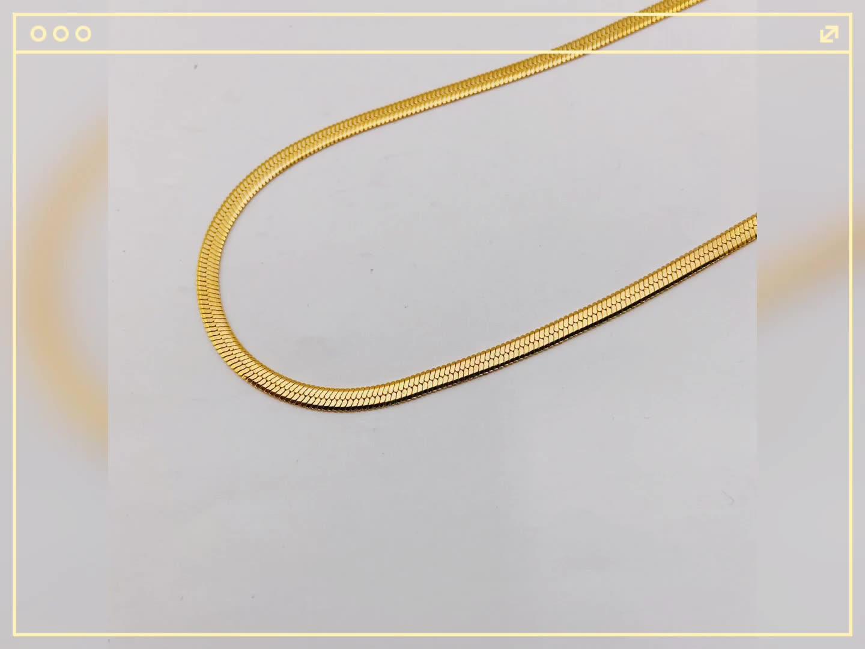 Donne di Moda Femminile Oro Sottile A Spina di Pesce Catene Dei Monili Della Collana 18K Oro In Acciaio Inox 4 millimetri Lama Piatta Catena Del Serpente collana