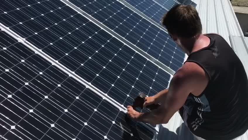 طقم طاقة شمسية بقدرة 500 وات سكني رخيص السعر تنافسي
