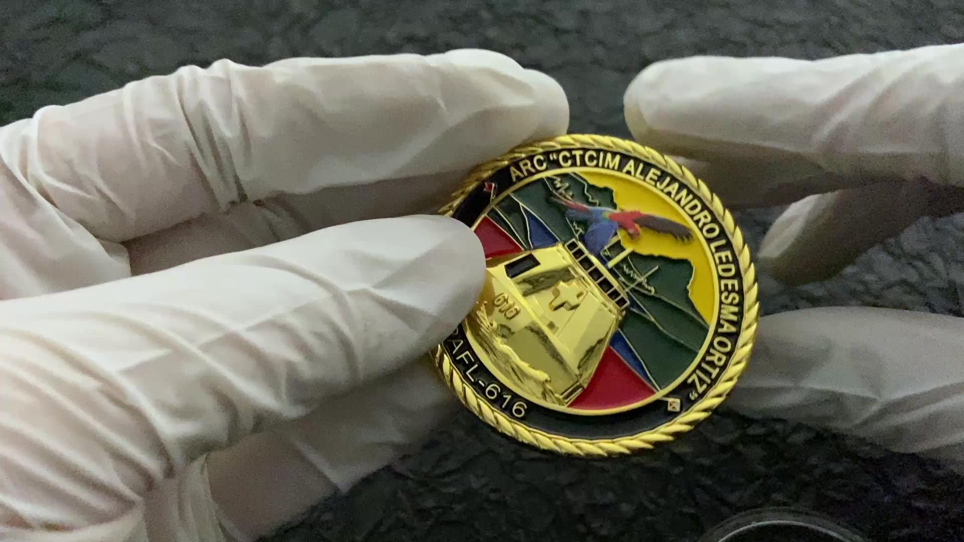 Personalizzato colombia navy spray oro aquila collettiva monete