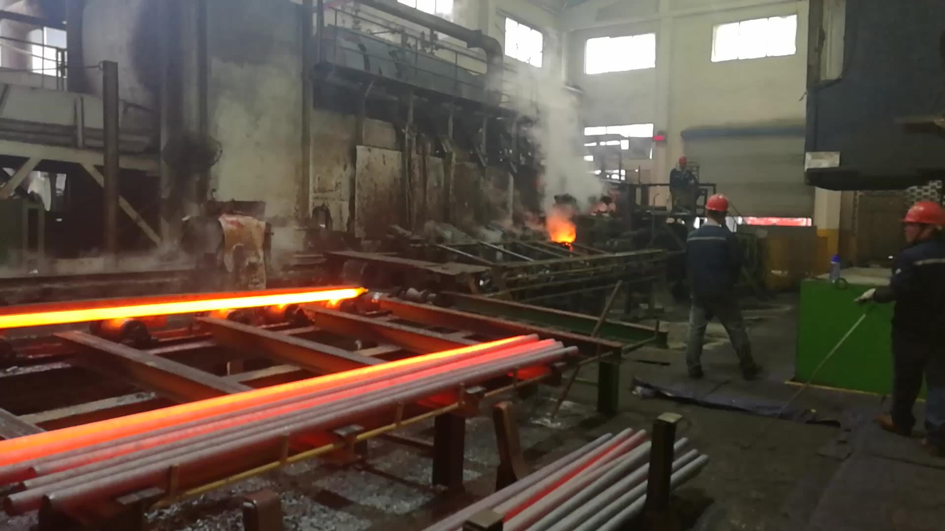 ASTM A53 Gr. B Ms Erw Pipa Baja Karbon Hitam, Ukuran 3/4 1 2 4 Inci untuk Saluran Pipa Minyak dan Gas