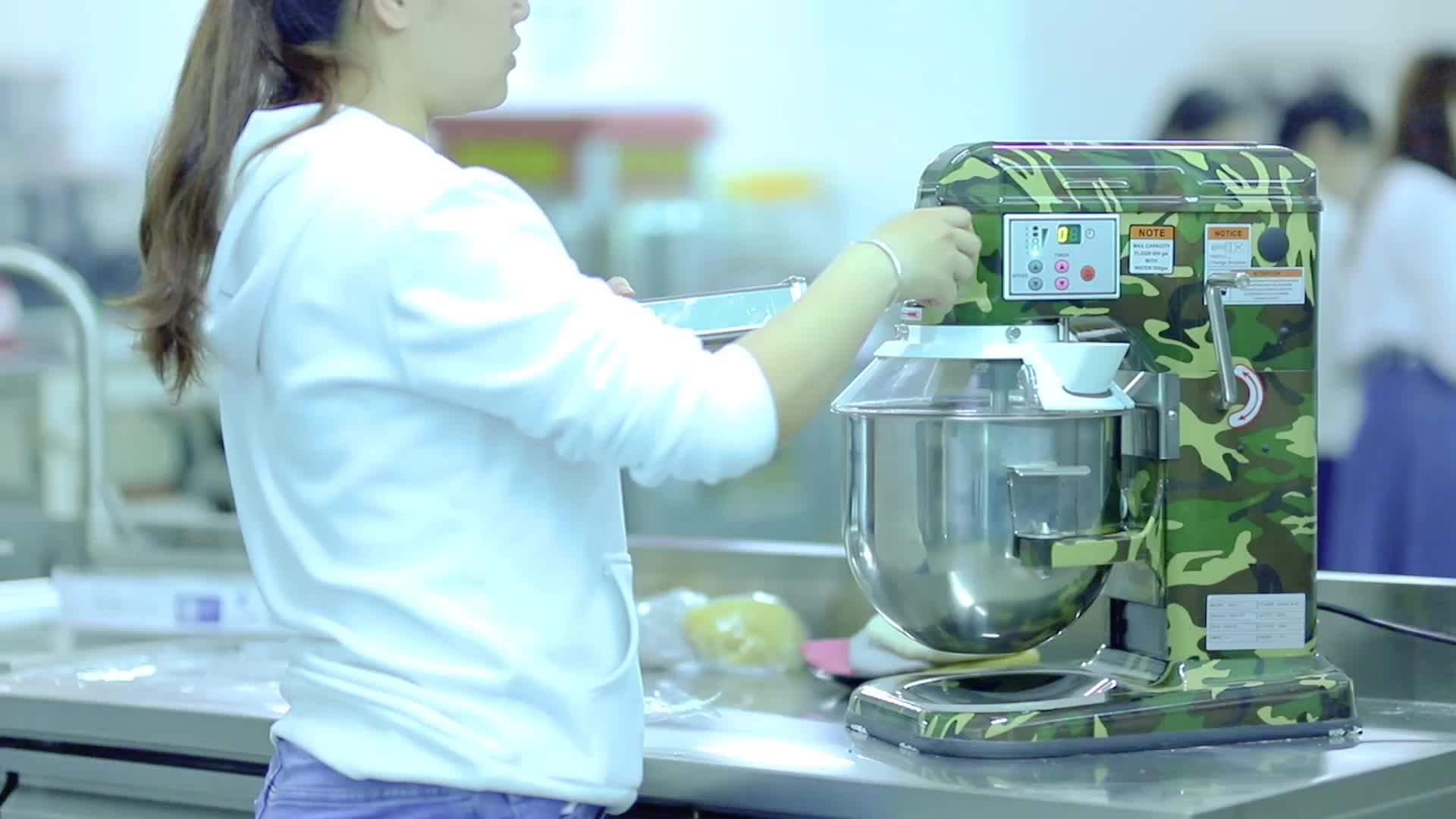 7 L Best Stand Automatic เครื่องผสมดาวเคราะห์และ Shaker Egg Beater