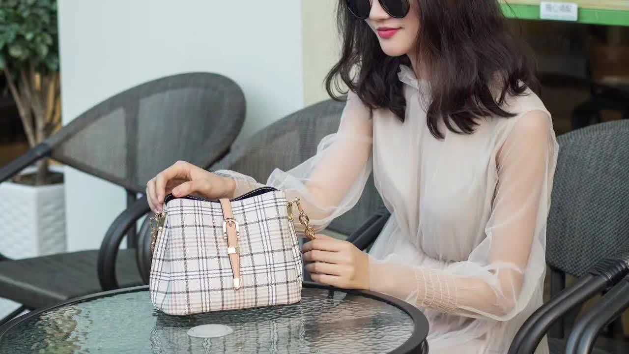 革メッセンジャーバッグ女性カスタムファッショントレンディレディーハンドバッグセット