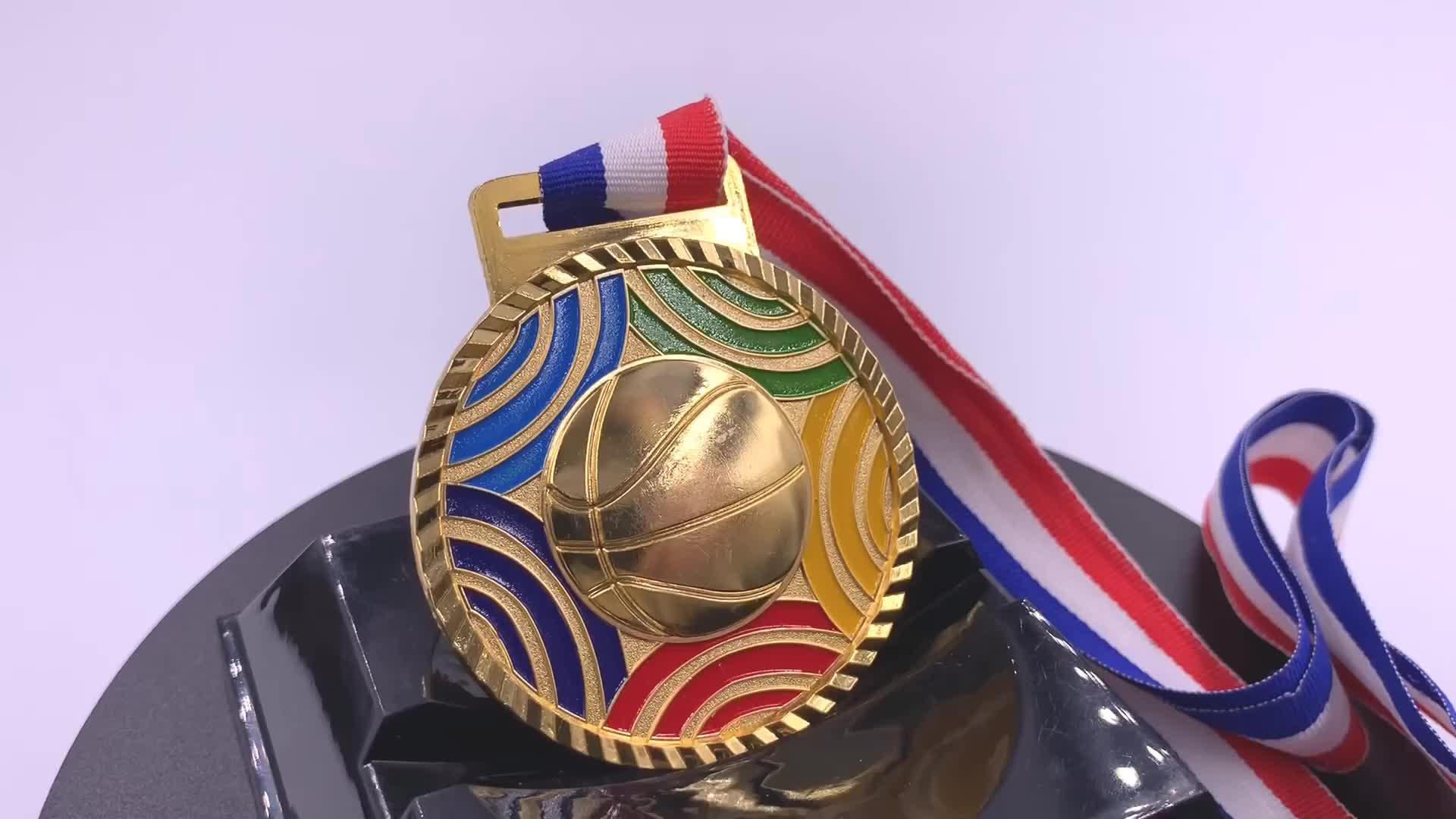 Commercio all'ingrosso in lega di zinco personalizzato per bambini di calcio di pallacanestro oro militare medaglia nastro