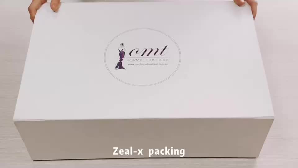 Luxury glossy magnetic closure clothing packaging cardboard folding paper gift box