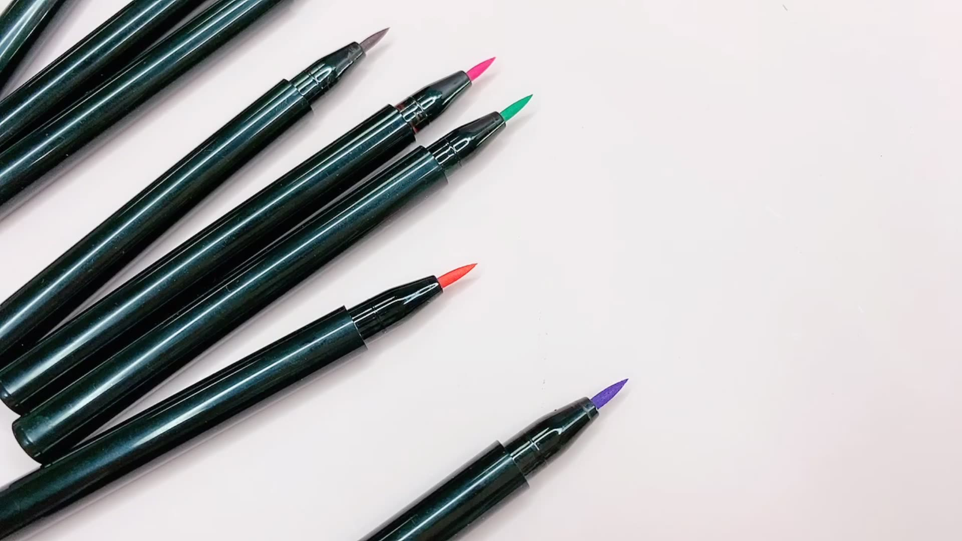 新着高品質成分プライベートラベル 8 色アイライナーペンシルセットアイ化粧品