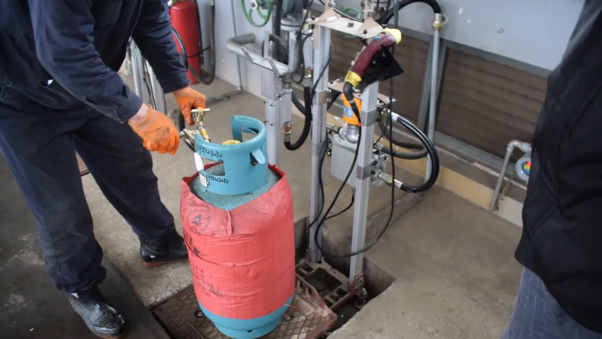 ATEX/ISO 9001 Chứng Nhận Pha Cà Phê Tự Động LPG Máy Làm Đầy Với Màn Hình Máy Tính Hệ Thống