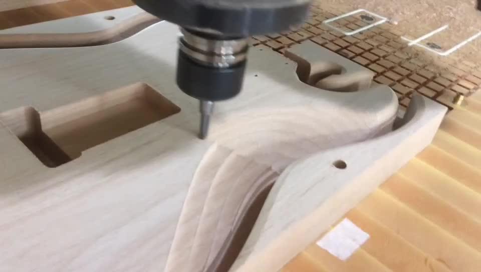 2018 Nieuwe Fabriek Gitaar 24 frets Killer maple top Luxe elektrische gitaar
