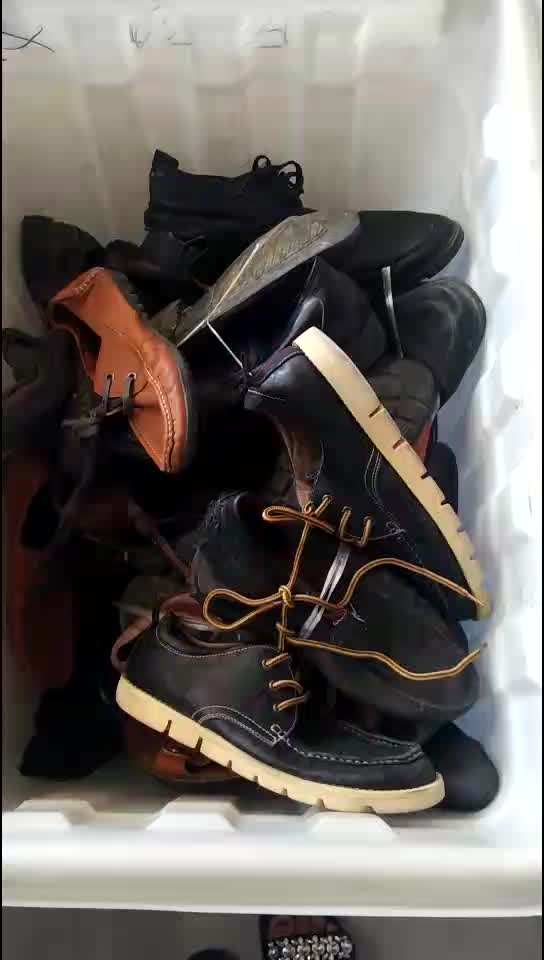 lots of used shoes,used soccer shoes/used tennis shoes/used shoes warehouse