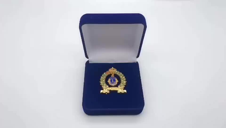 Free design make lions soft enamel diamond  lapel pins