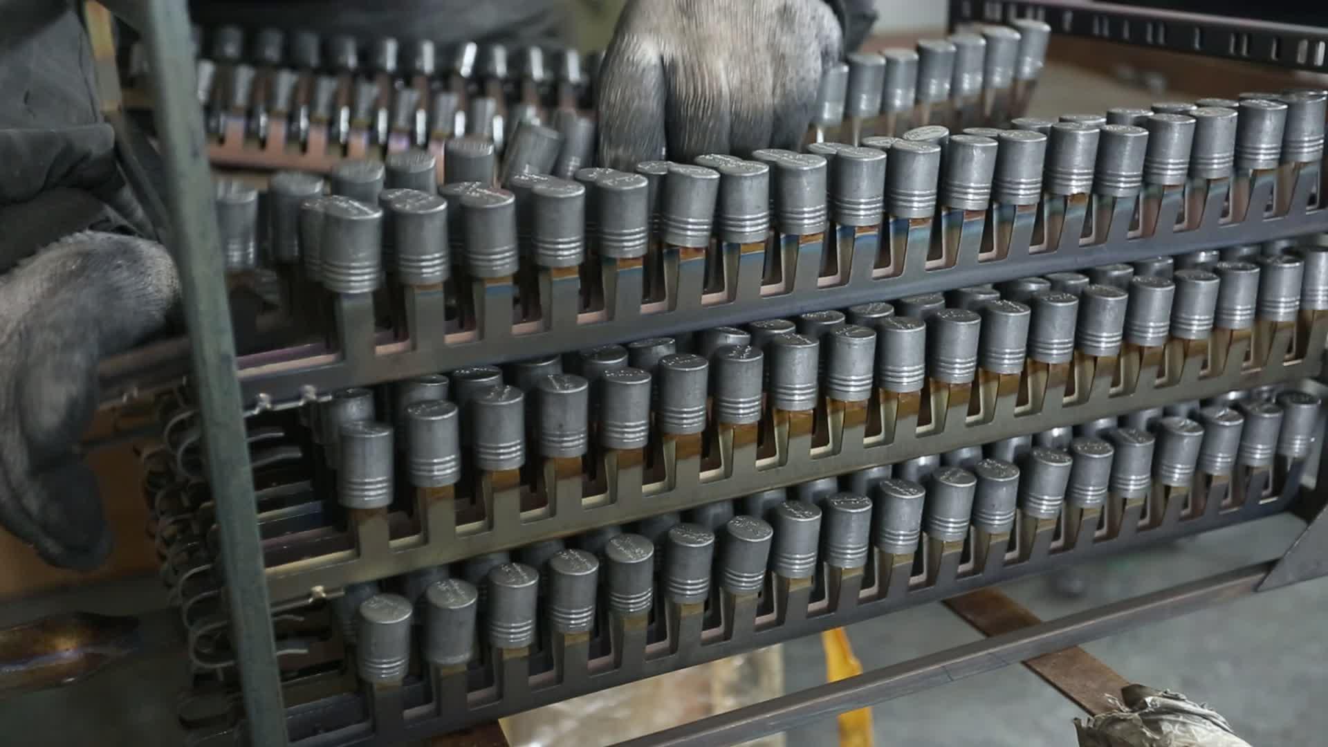 Sang trọng nhôm chai parfum đóng gói chai 100 ml vàng phụ nữ nước hoa chai nhà sản xuất ưa thích