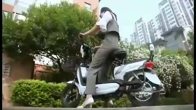 Up To 100km Range Adult Electric Motorcycle 60v20ah 350w/500w/800w/1000w High Speed Adult Electric Scooter