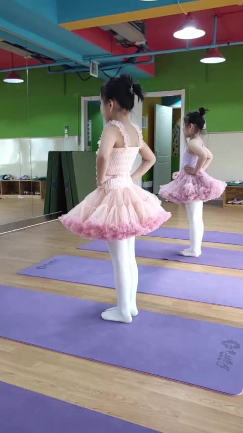 tutu skirts with different colors for little girls