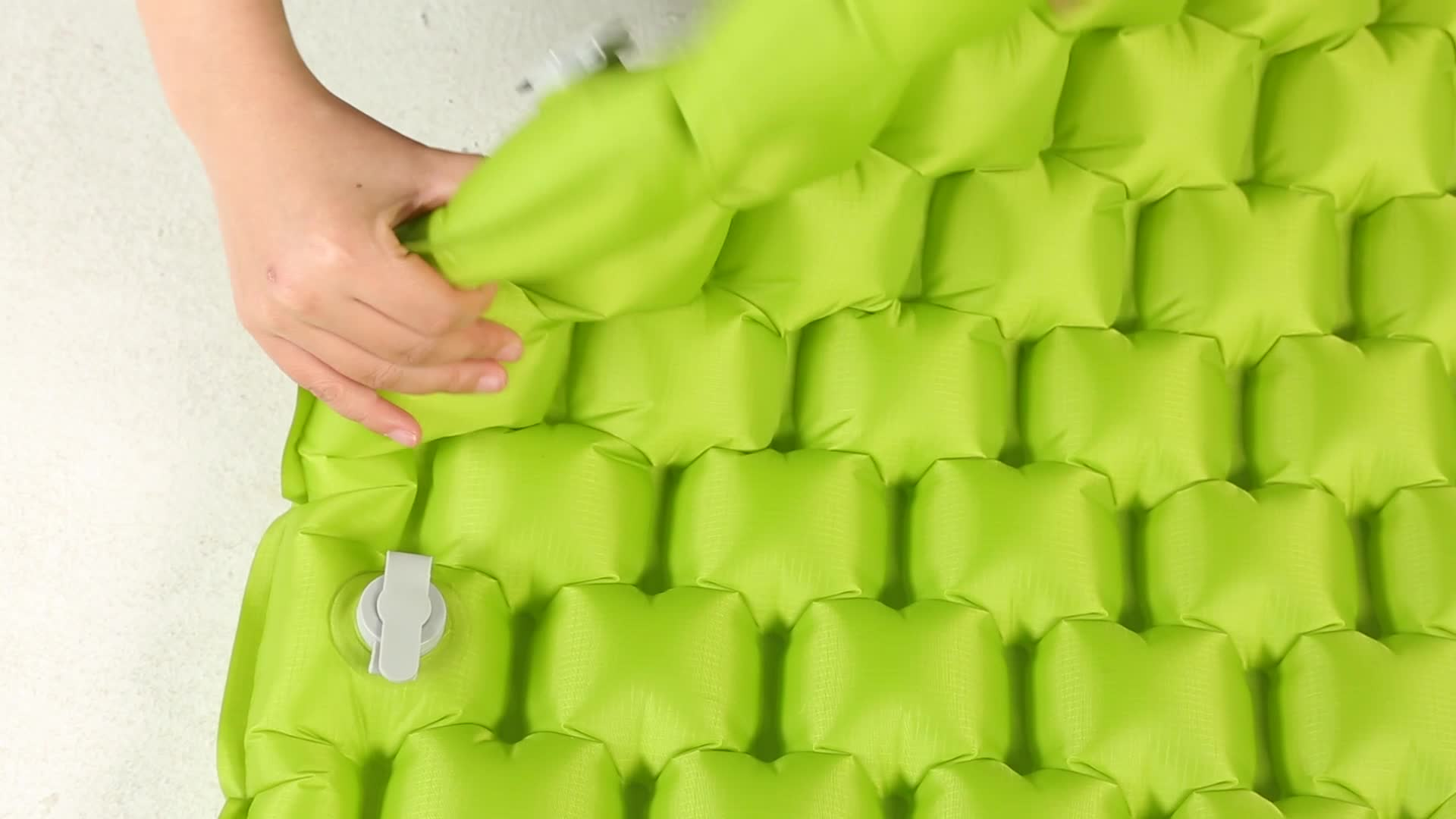 OEM High Quality Custom Outdoor Colourful ultralight sleeping pad travelling camping mat