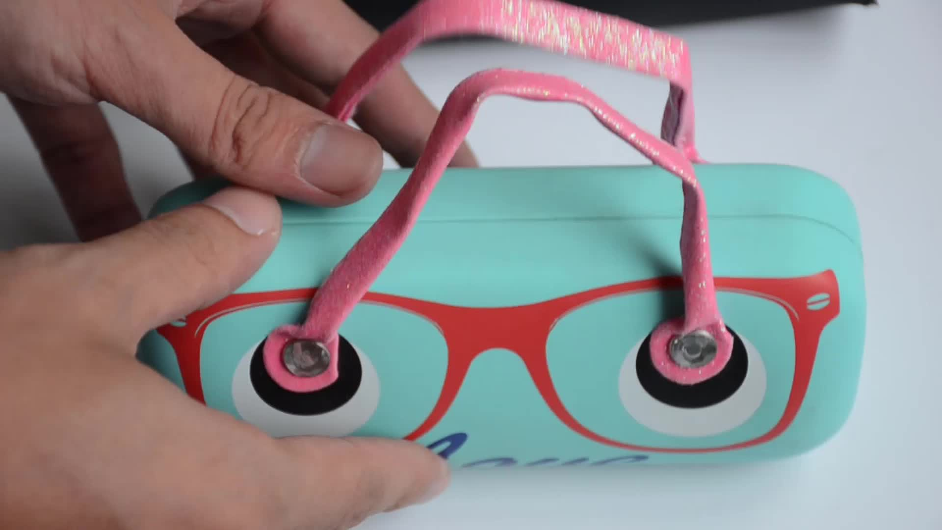 Portable digital transfer printed eye glasses case for travel