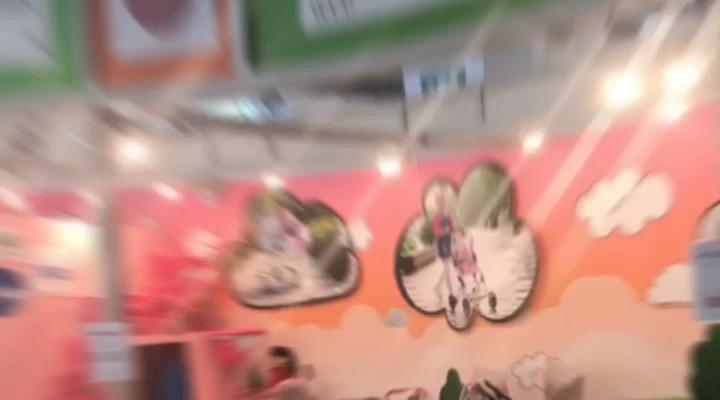 סין מתנות עגלת תינוק בובת עגלת לילדים בנות עגלת בובת עגלה עם גלגלים גדולים