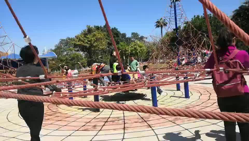 COWBOY per bambini parco giochi all'aperto espandere arrampicata scuola materna scuola materna in età prescolare i bambini giocano strumento produttore