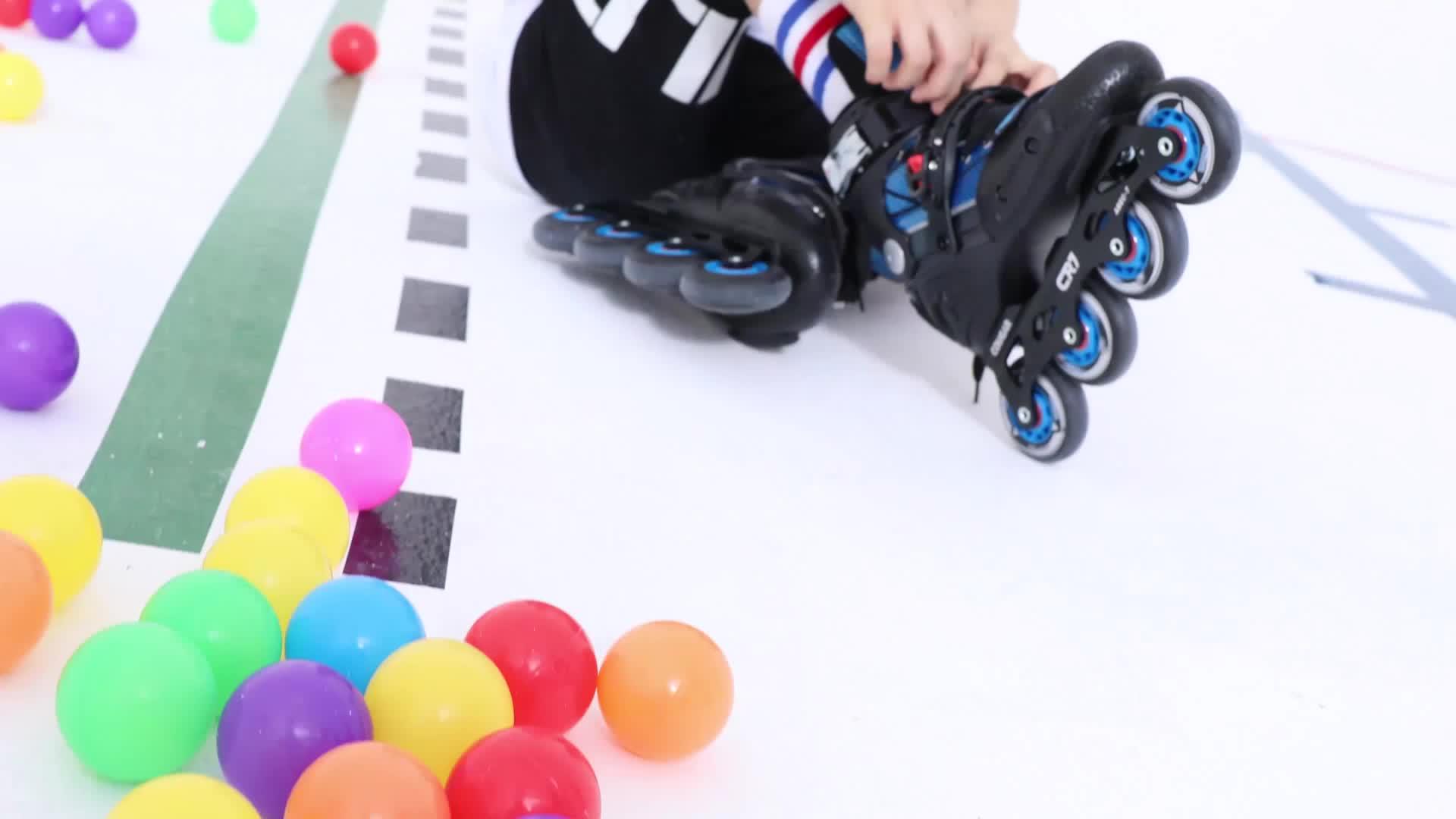 Профессиональные роликовые коньки с колесами в ряд от производителя сделано катание загрузки колеса роликовые коньки обувь
