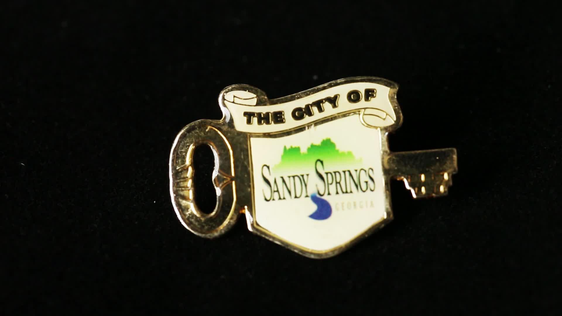 Various Shapes Fancy Button Promotion Accessory Souvenir Wholesale Pin Badge Metal