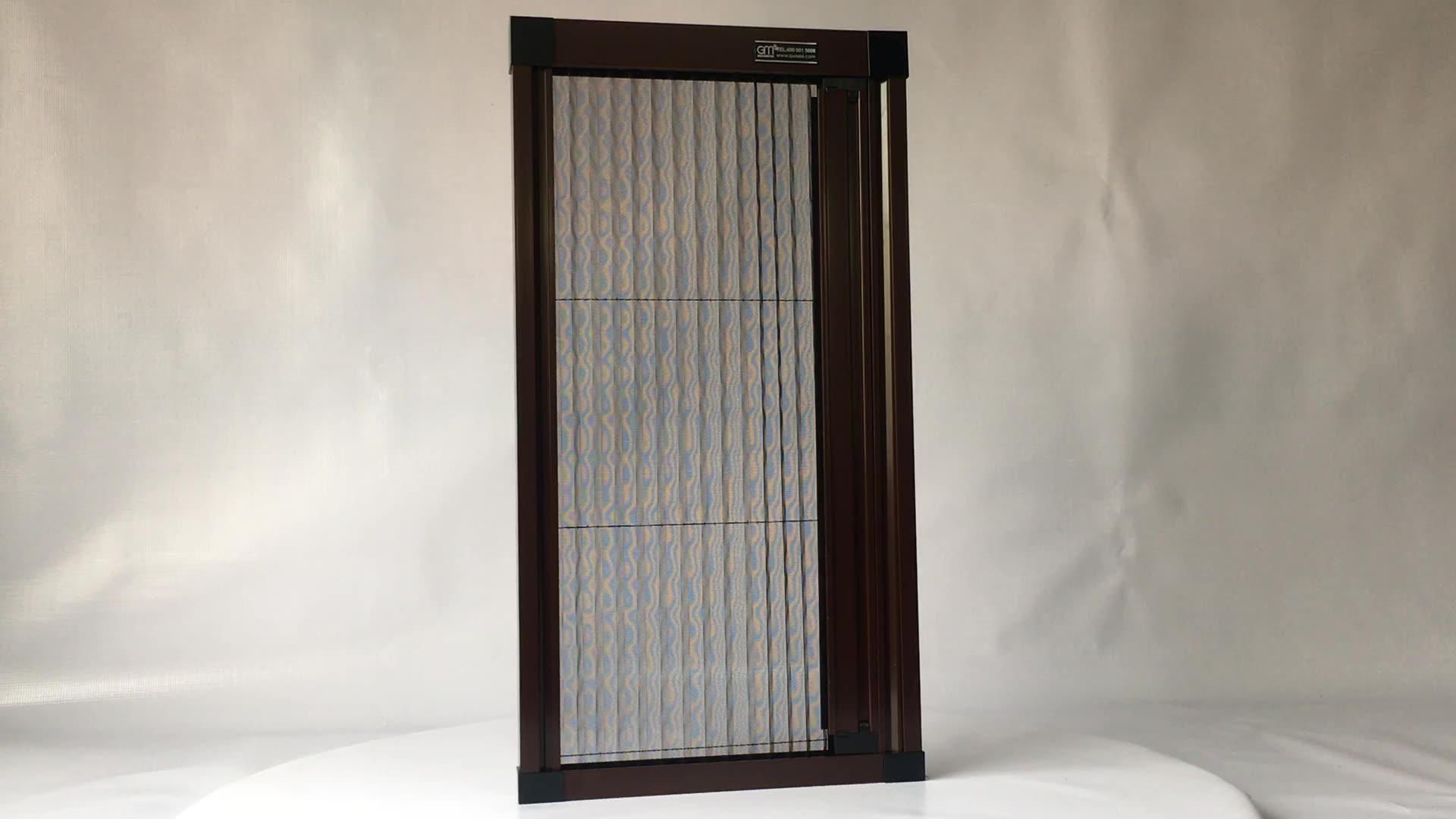 Anti-mosquito retractable pleated screen mesh