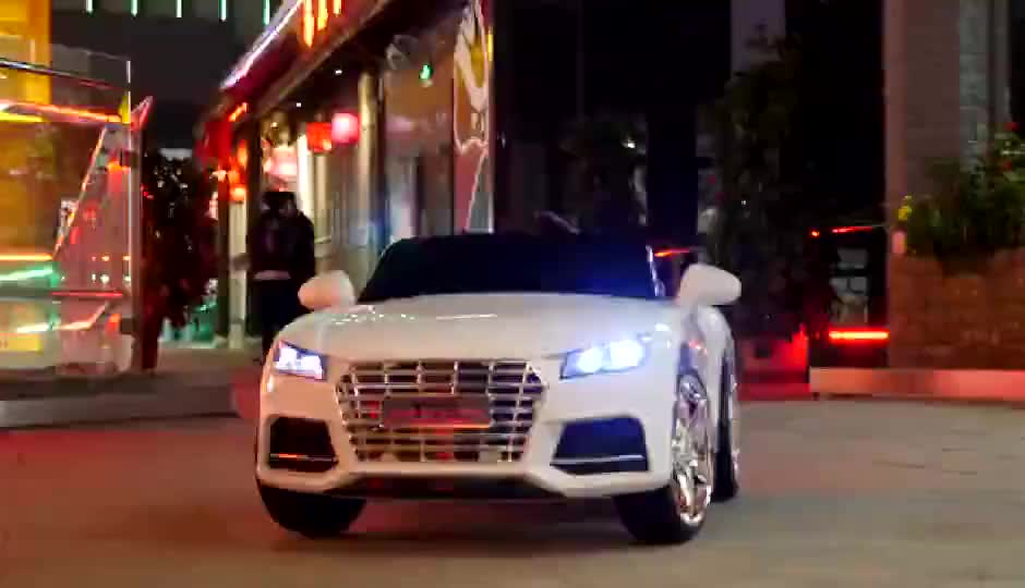 2019 factory  hot sale electric car kids Audi TTS roadster car for kids  2-8 year old