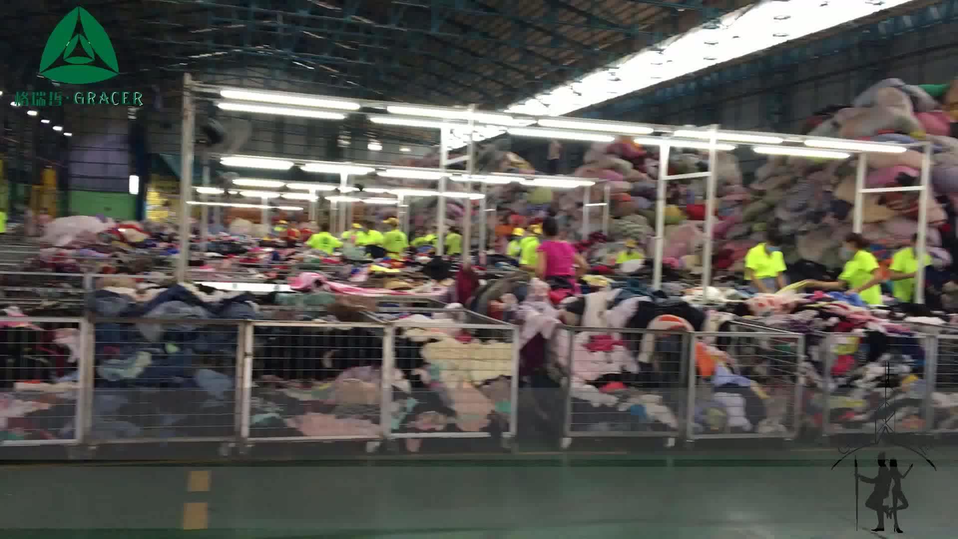 Free korean clothing silk scarf 100kg used Clothes Pakistan