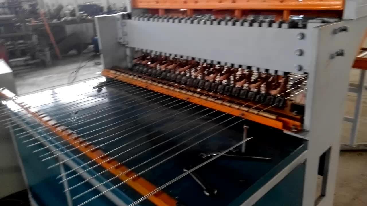 Automatische gelast ijzerdraad mesh netting machine draad mesh making machine