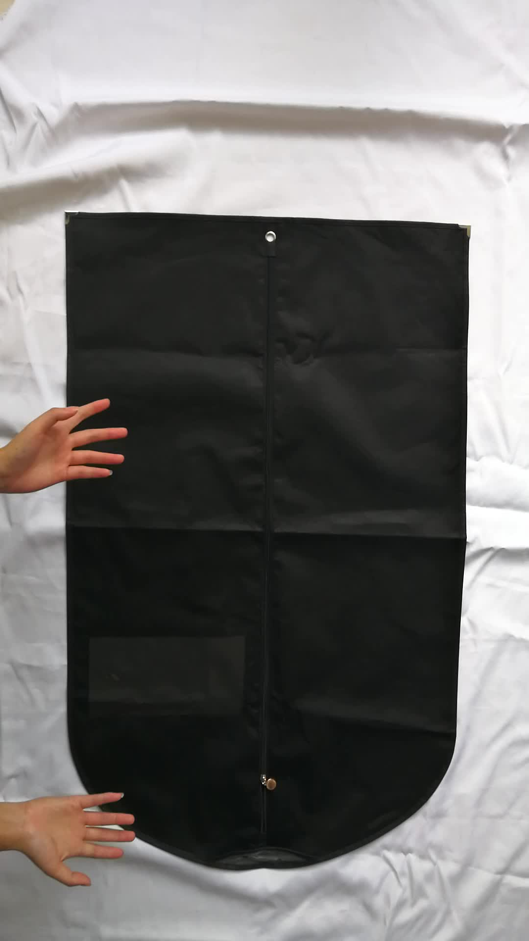 China Manufacturer Custom Clear Plastic Zipper Nonwoven Garment Bags For Packaging
