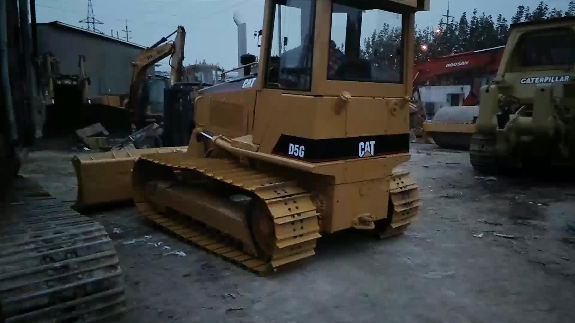 ใช้ Bulldozer D5G แมว Dozer สำหรับขายในสภาพดี
