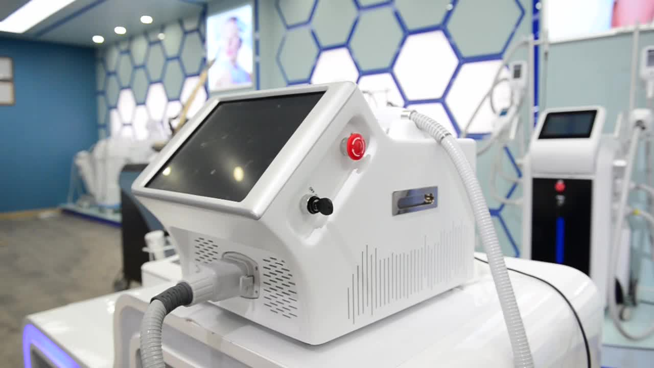 Best Portable High Power 600w Ice Painless Alma Laser Soprano 808 Diode Laser