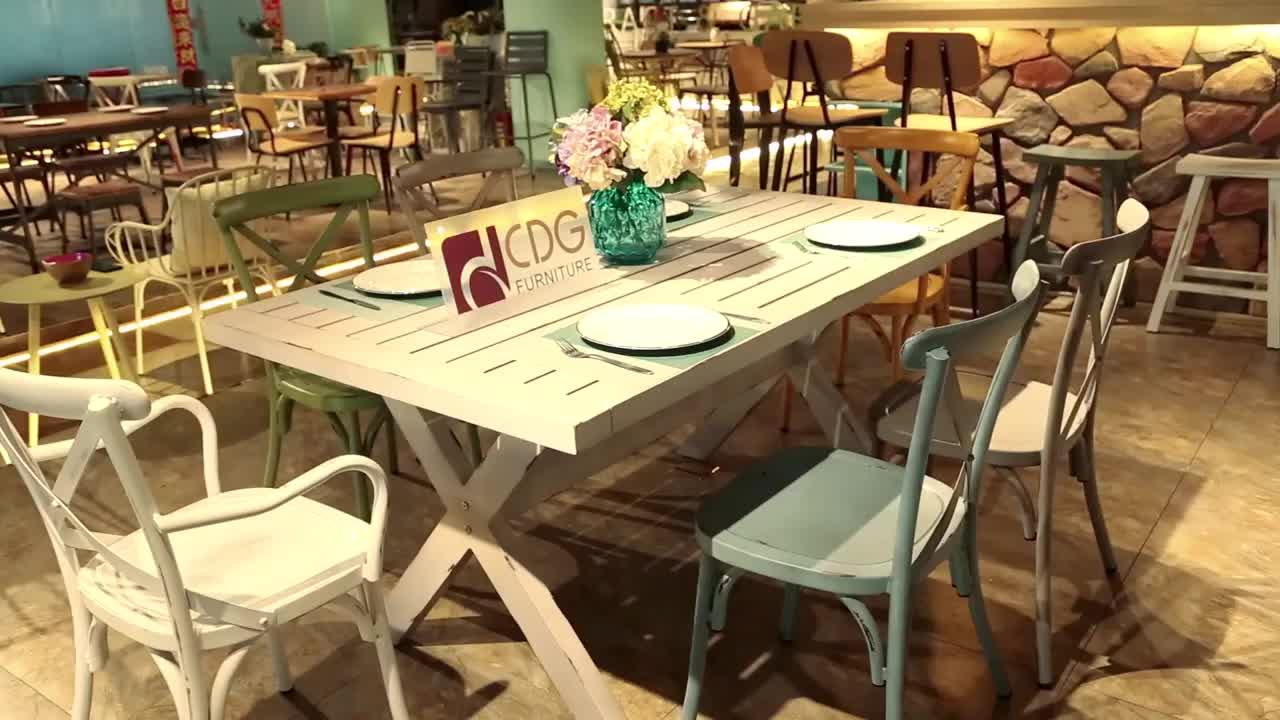 Toptan Endüstriyel Metal Vintage Çelik Antika mobilya setleri Kiralama Düğün Demir Çapraz Geri Kol Sandalye Restoran Cafe Için