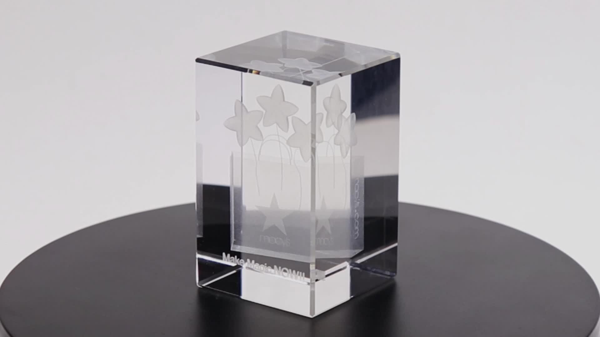 Belo 3D subiu cubo de cristal do laser com luz LED