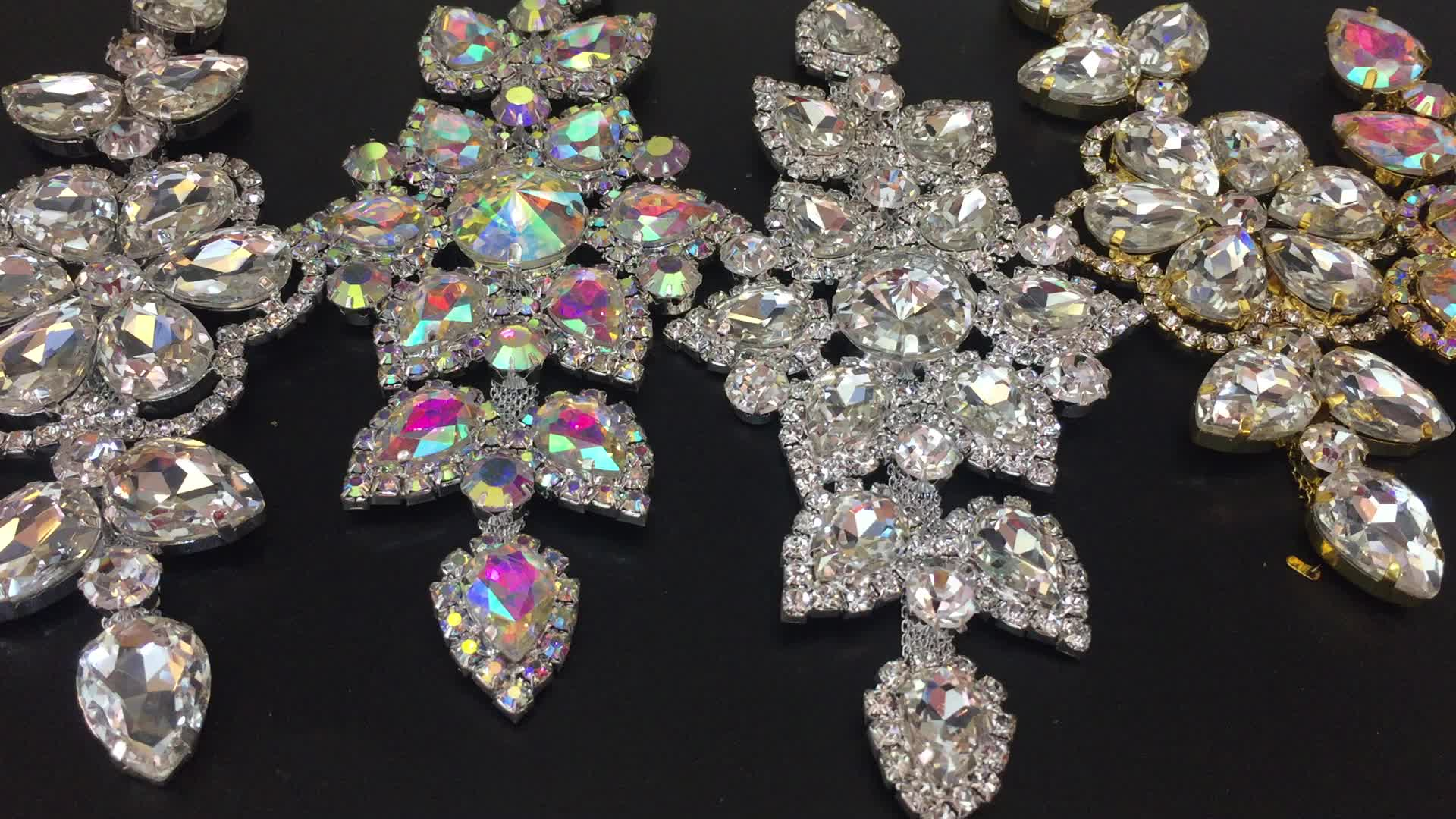 New product siam 4.5*5.8cm corsage with gold base sew on rhinestone applique for garment accessories