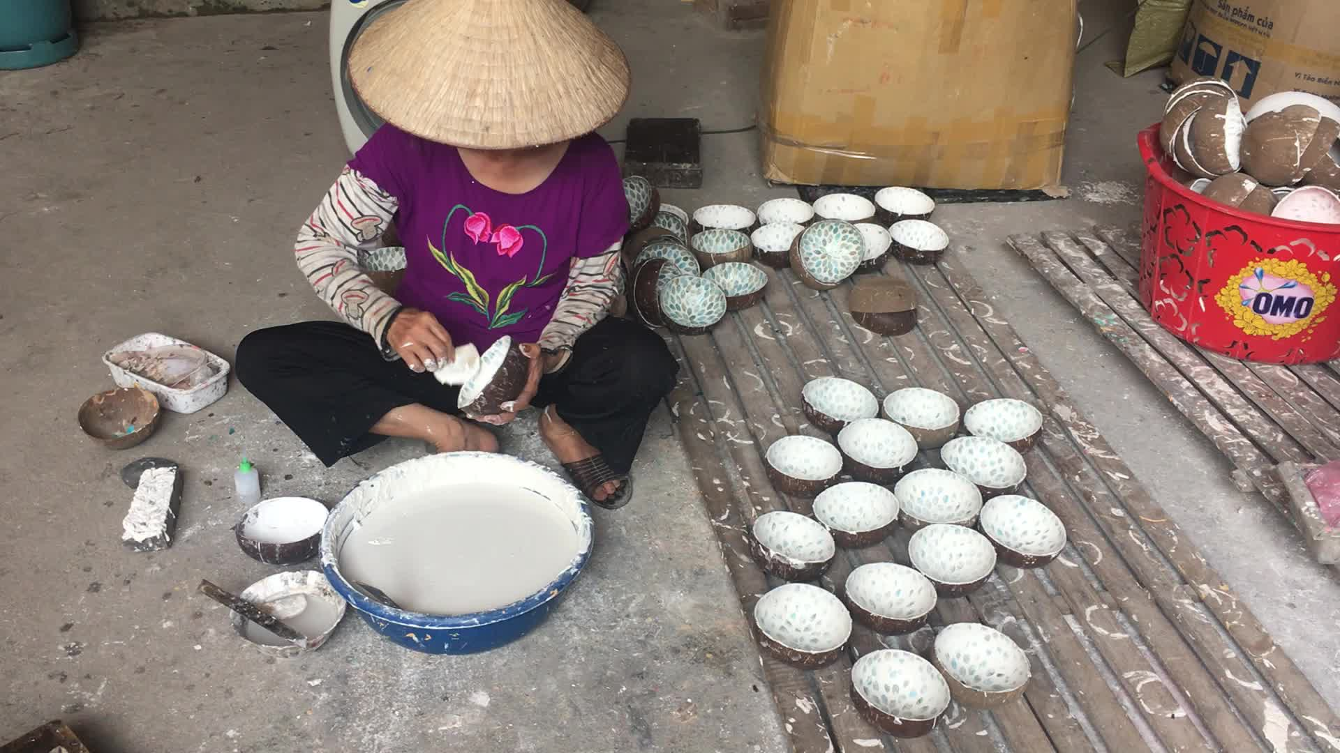 Vietnam Engraved natural ecofriendly Coconut Bowls