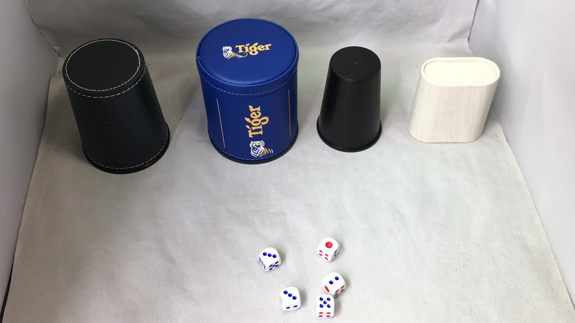 Wholesale Dice Cup Customized Logo Leather Shaker Cup with Poker Dices