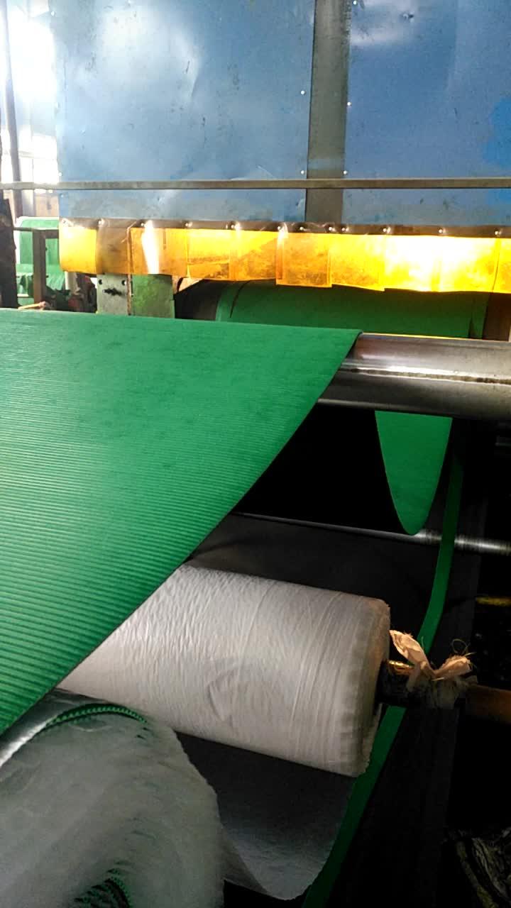 hot selling small stud anti-slip rubber flooring mat