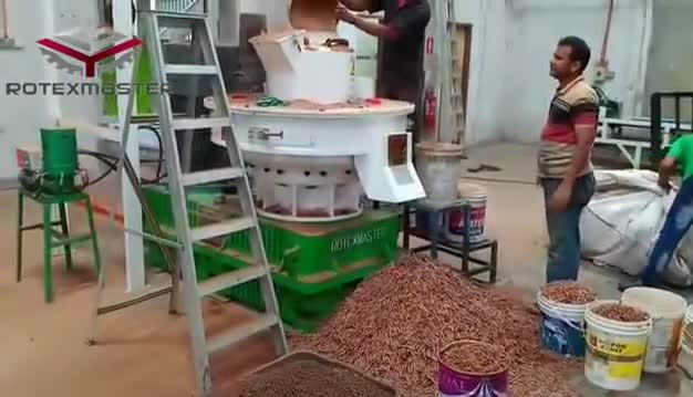 Rice Husk Empty Coconut Shell Pine Rubber Wood Pellet Making Machine Price