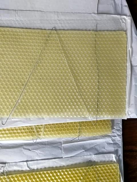 2019 Natural bee wax foundation pure honey beeswax comb sheet for beekeeping