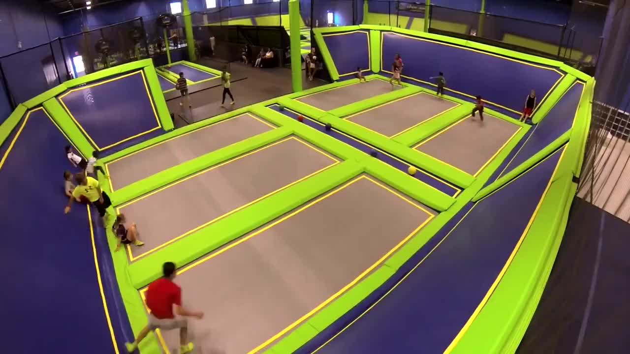 High quality safety colorful commercial kids basketball dunk rectangular trampoline park sale with naughty castle